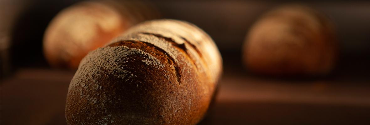 富士レークホテル フランス料理レストラン『プルミエ』シェフ ダニエル・パケが監修する フランス伝統のパンの店